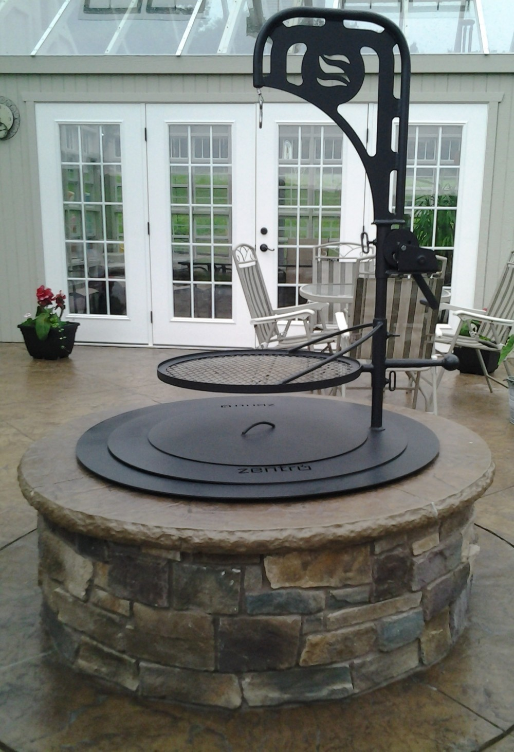 Zentro Smoke Less Firepit - Zentro Smoke Less Firepit - Camoose Masonry Supply